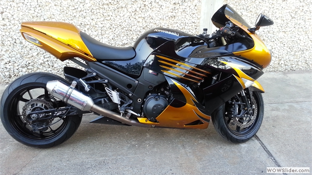 Kawasaki ZX14R Gold/Black Fairings by NiceCycle