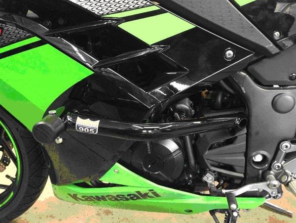 Ultimate Motorcycle Seats >> Kawasaki Ninja 300 Race Rail Frame Sliders Stunt Armor 2013-2016 by Racing 905