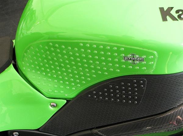 Carbon Fiber Bike >> STOMP Traction Pads Motorcycle Tank Grips - Kawasaki ZX-10R (04-2007)