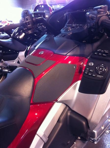 Honda Grom Price >> Honda Goldwing Tank Grip - Motorcycle Tank Grip