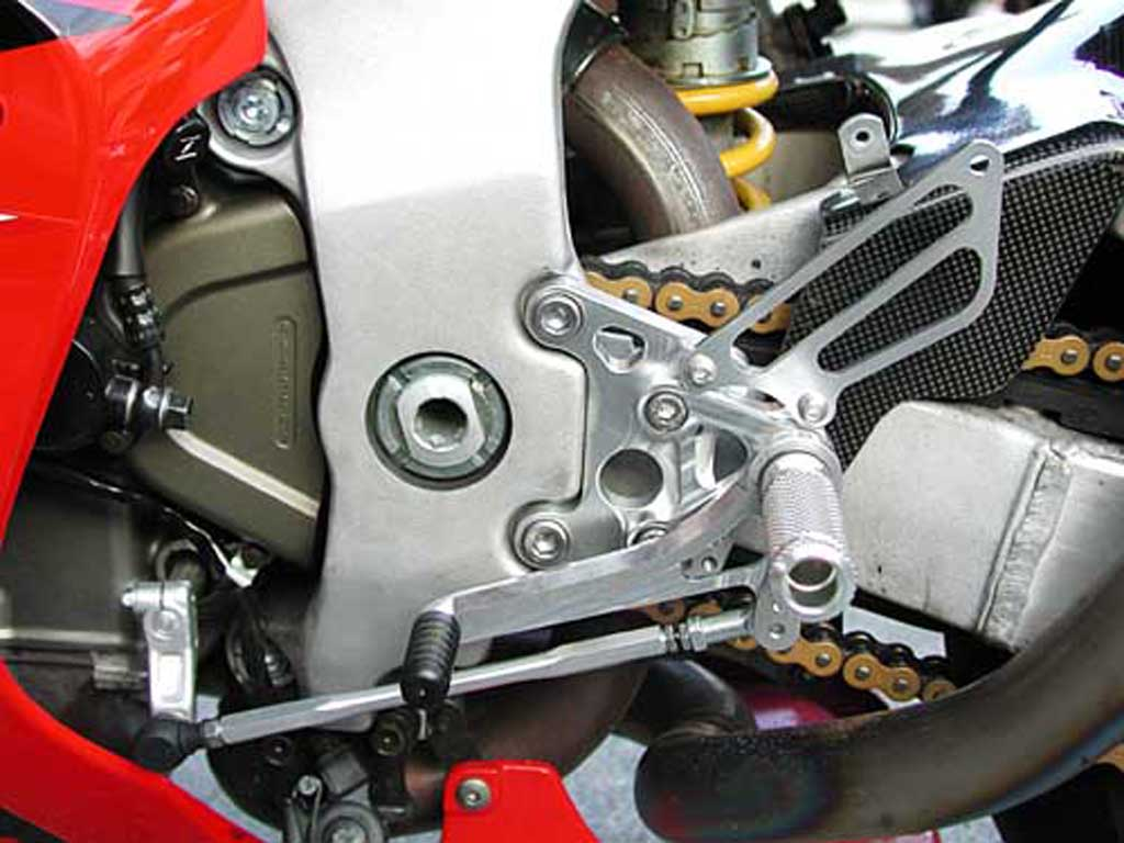 HONDA RC51 ('00 -'06) REAR SETS