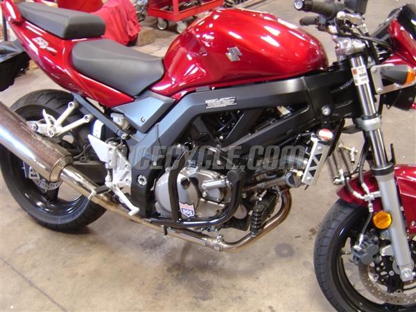 Suzuki SV650S Naked Stunt Engine Cage 2003-2007 by Racing 905