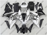 Yamaha YZF-R1 White/Black Fairings