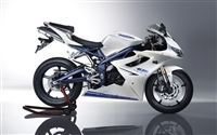 White/Blue Triumph Daytona 675 Fairings