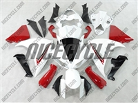 Yamaha YZF-R1 Red/White Fairings