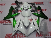 Yamaha YZF-R1 White/Metallic Green Fairings