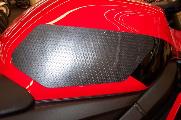 Tech Spec Motorcycle Tank Grips - Honda CBR600RR (03-06) Honda F4i (01-07)