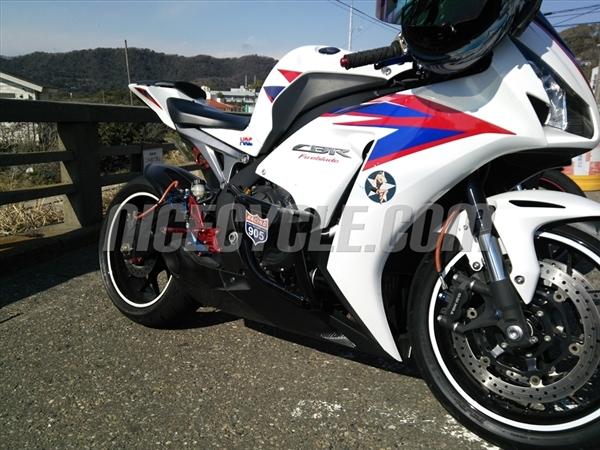 Honda CBR 1000RR Stunt Engine Cage 2008-2014 by Racing 905
