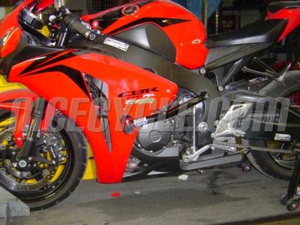 Best Motorcycle Armor >> Honda CBR 1000RR Race Rail Frame Sliders Stunt Armor 2008 ...