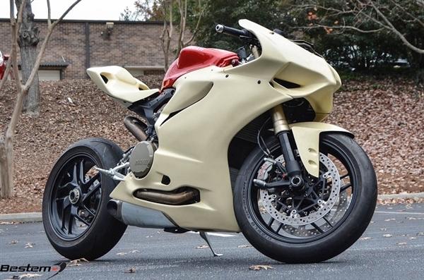 Ducati 1199 Panigale Race    Track Fairing Set  7 Pcs