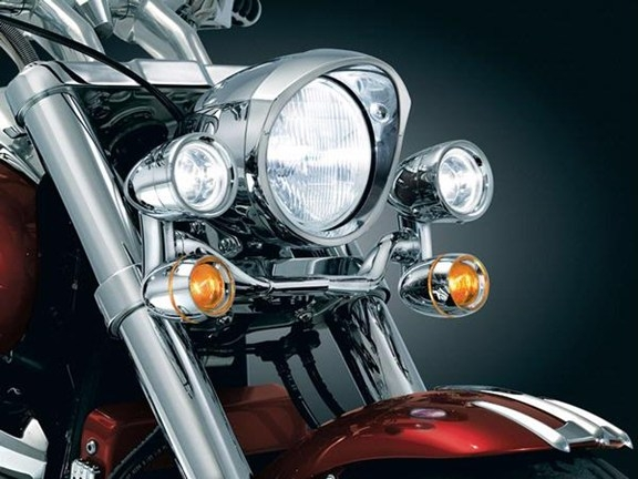 yamaha  star   customclassic constellation driving light bar  kuryakyn
